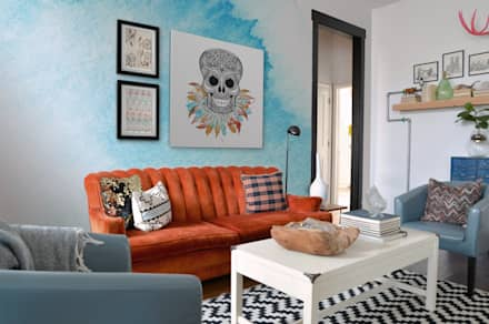 Smiling Spirit: eclectic Living room by Pixers