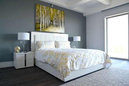 Nightingale Decor: Recámaras de estilo moderno por Erika Winters Design