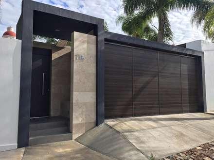 TERRAZA CAJITITLAN: Casas de estilo moderno por Arki3d