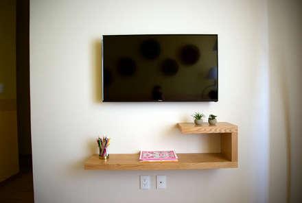 Oficinas de estilo  por Erika Winters® Design