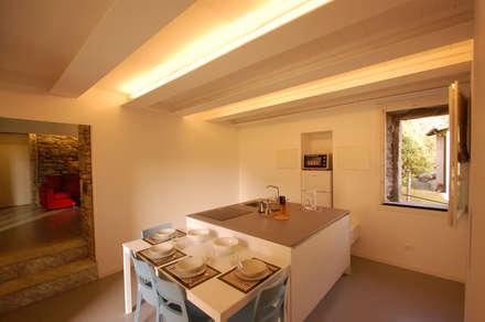 Ristrutturazione appartamento a: Case in stile in stile Minimalista di Arch. Francesco Antoniazza - Verbania Como