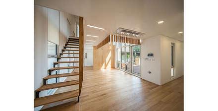진관동주택: 제이에이치와이 건축사사무소의  다이닝 룸