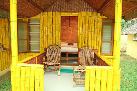 Bamboo Cottage:  Commercial Spaces by Innovate Interiors & Fabricators