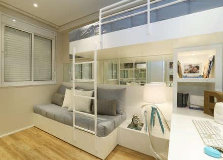 MAC_Boulevard Lapa 76m²: Quarto infantil  por Chris Silveira & Arquitetos Associados