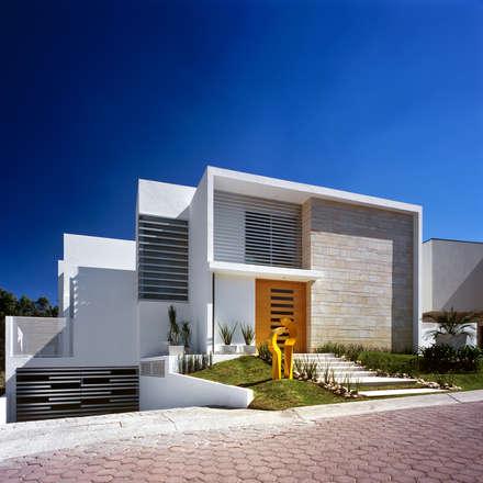 مکانات by Agraz Arquitectos S.C.