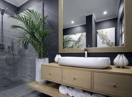 Bathroom 2: Eclectic Bathroom By JSD Interiors
