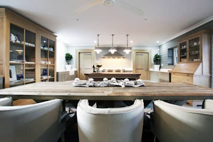 Kitchen/Dining: rustic Kitchen by JSD Interiors