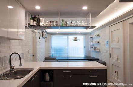 20평형 준공 1년 된 신축 빌라 전체 리모델링: 커먼그라운드의  주방