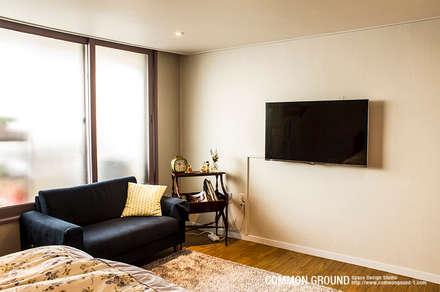 31평형 성수동 현대아파트: 커먼그라운드의  침실