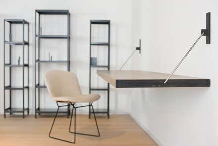 Apartment JT: minimalistische Arbeitszimmer von INpuls