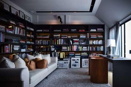 Ng邸: Sen's Photographyたてもの写真工房すえひろが手掛けた書斎です。