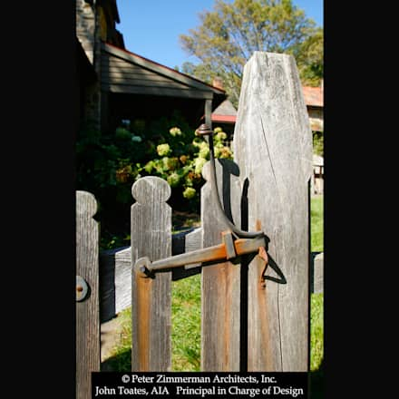 Gate Detail: classic Garden by John Toates Architecture and Design