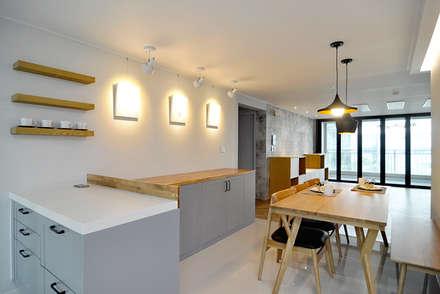 modern Kitchen by JMdesign