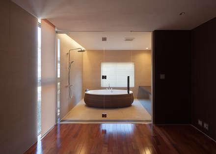 2階寝室専用浴室: Atelier Squareが手掛けた浴室です。