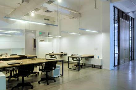 Phòng học/Văn phòng by Paula Herrero | Arquitectura