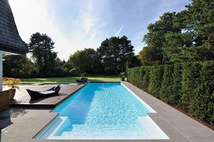 Moderner Gartenpool aus GFK: ausgefallener Pool von Hesselbach GmbH