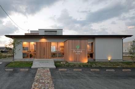 美容室Frank (店舗併用住宅): FrameWork設計事務所が手掛けた家です。
