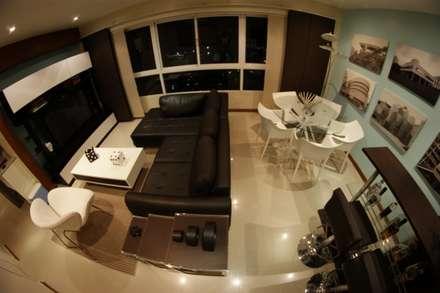 Estar y comedor integrados: Salas / recibidores de estilo minimalista por OMAR SEIJAS, ARQUITECTO