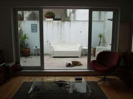 Gloria House, S. José Lisbon 2010: Jardins de Inverno clássicos por QFProjectbuilding, Unipessoal Lda