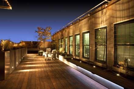 Modern DC Deck Lighting : modern Houses by Hinson Design Group