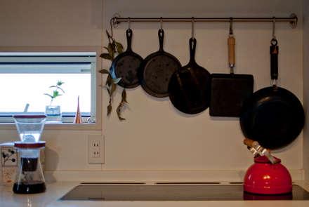 おやまっのいえ: FrameWork設計事務所が手掛けたキッチンです。