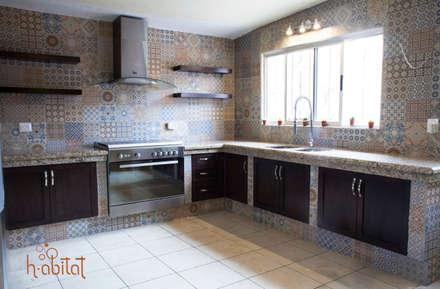 cocina moderna con azulejo vintage cocinas de estilo eclctico por h abitat diseo