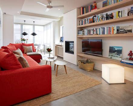 salón - comedor: Salones de estilo moderno de Molins Interiors