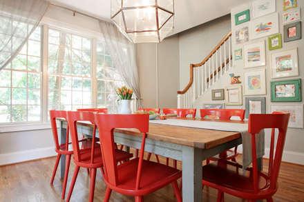 Modern Farmhouse Dining Room: modern Dining room by Larina Kase Interior Design