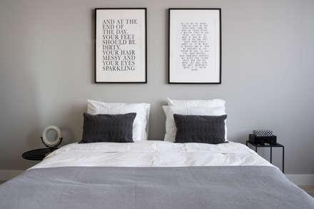 Eikelenburg: moderne Slaapkamer door Mariska Jagt Interior Design