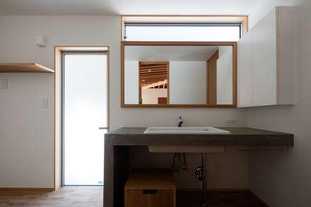 安並の家: TENKが手掛けた浴室です。