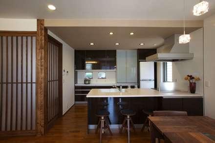 居心地の良いモダン住宅: Frankaが手掛けたキッチンです。