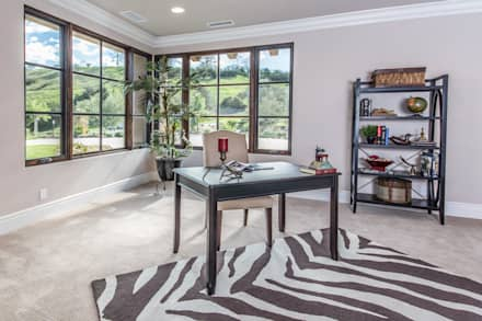 Santaluz Vacant Staged to Sell: mediterranean Study/office by Metamorphysis Home Staging Services