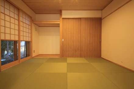 やまの家 群馬県 昭和村: 田村建築設計工房が手掛けた和室です。