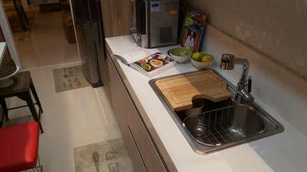 Projeto após a reforma.: Cozinhas modernas por Lucio Nocito Arquitetura e Design de Interiores