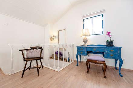 Phòng ngủ by alma portuguesa