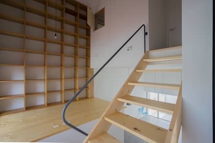 グロット: Smart Running一級建築士事務所が手掛けた玄関/廊下/階段です。