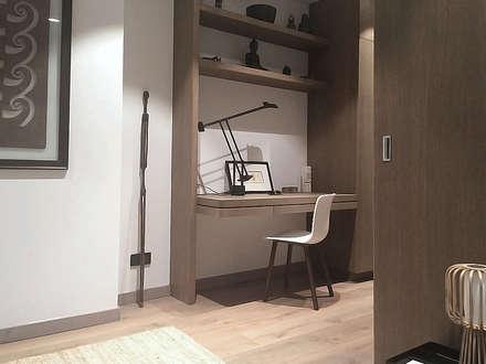 Desk area: modern Corridor, hallway & stairs by Deirdre Renniers Interior Design