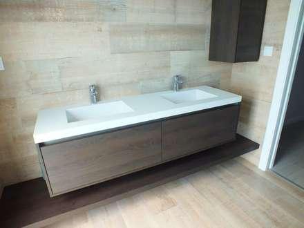 Moradia Urzal: Casas de banho modernas por Belgas Constrói Lda
