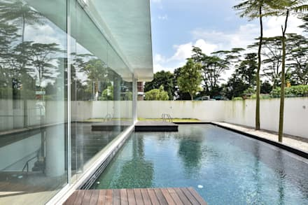 TN邸: Sen's Photographyたてもの写真工房すえひろが手掛けたプールです。