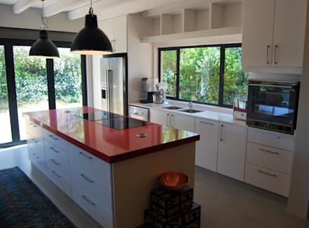 Project : Jason Black: Modern Kitchen By Capital Kitchens Cc