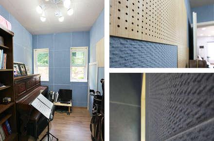 독립성이 확보된 고풍스럽고 세련된 디자인의 클래식스타일[경북 상주]: 지성하우징의  방