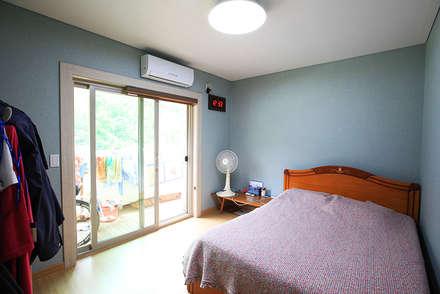 고풍스러운 느낌이 자연과 조화를 이루는 지중해스타일[전북 완주]: 지성하우징의  침실
