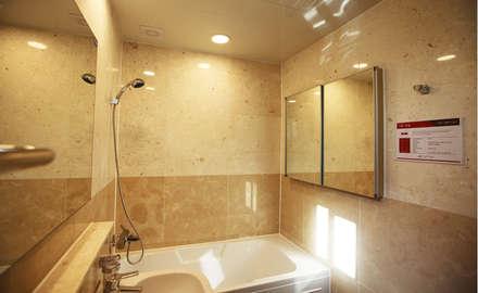 자연의 여유로움에 고급스러움을 더한 지중해스타일[경기 안산]: 지성하우징의  화장실