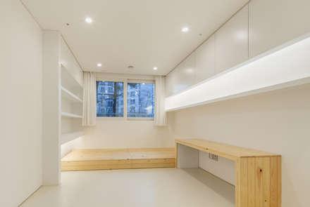 신당동 아파트 인테리어: 서가 건축사사무소의  침실
