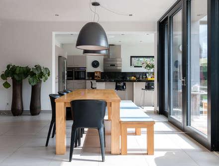 modern Dining room by WSM ARCHITEKTEN