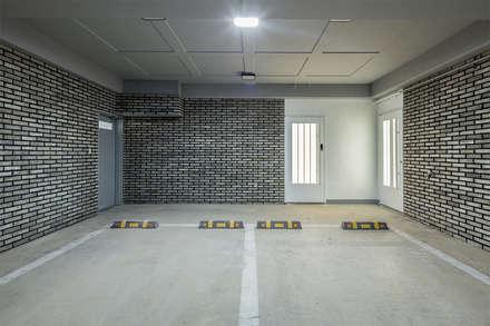 The Modern Square _용인 타운하우스: 지오아키텍처의  차고
