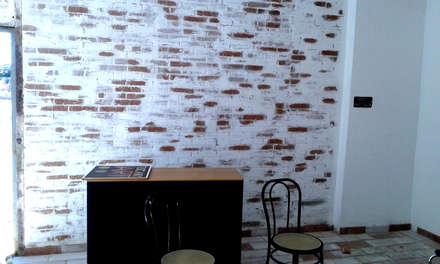 Tuscany Art's office in progress: Studio in stile in stile Rustico di Tuscany Art