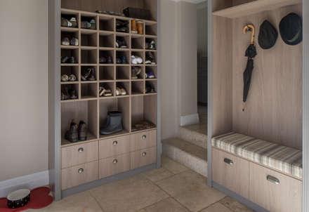 East Sheen - Boot Room:  Corridor & hallway by Roselind Wilson Design