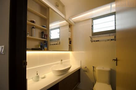 Punggol Waterway Brooks BTO: minimalistic Bathroom by Designer House