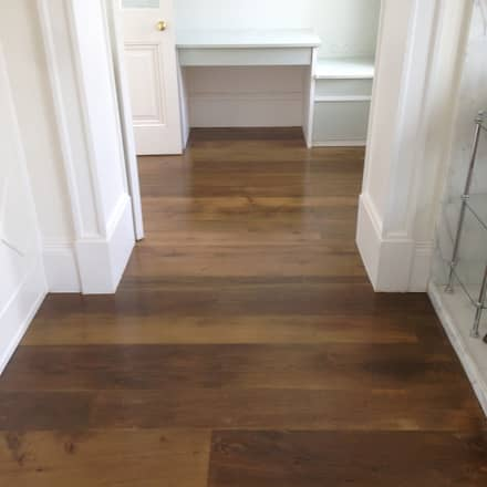 Antique Oak floorboards:  Walls by The British Wood Flooring Company